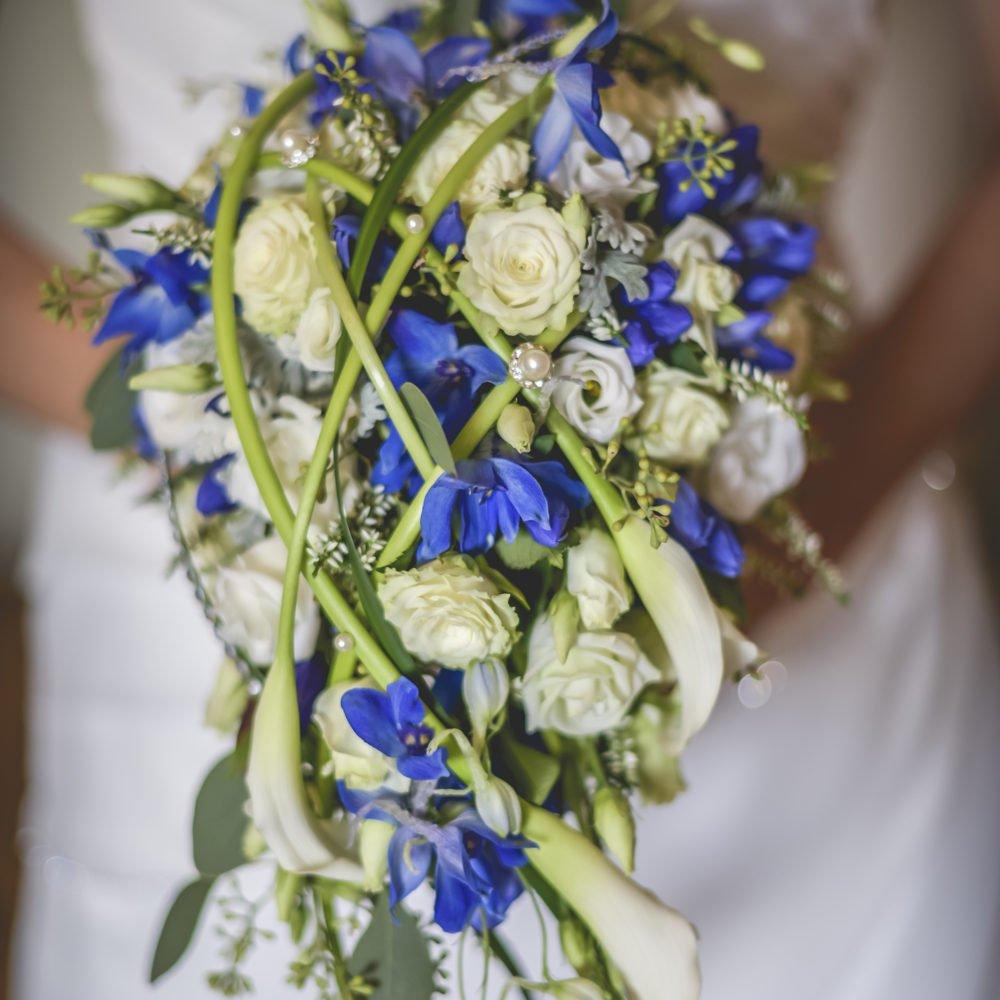Bouquet matrimonio Pantone blu